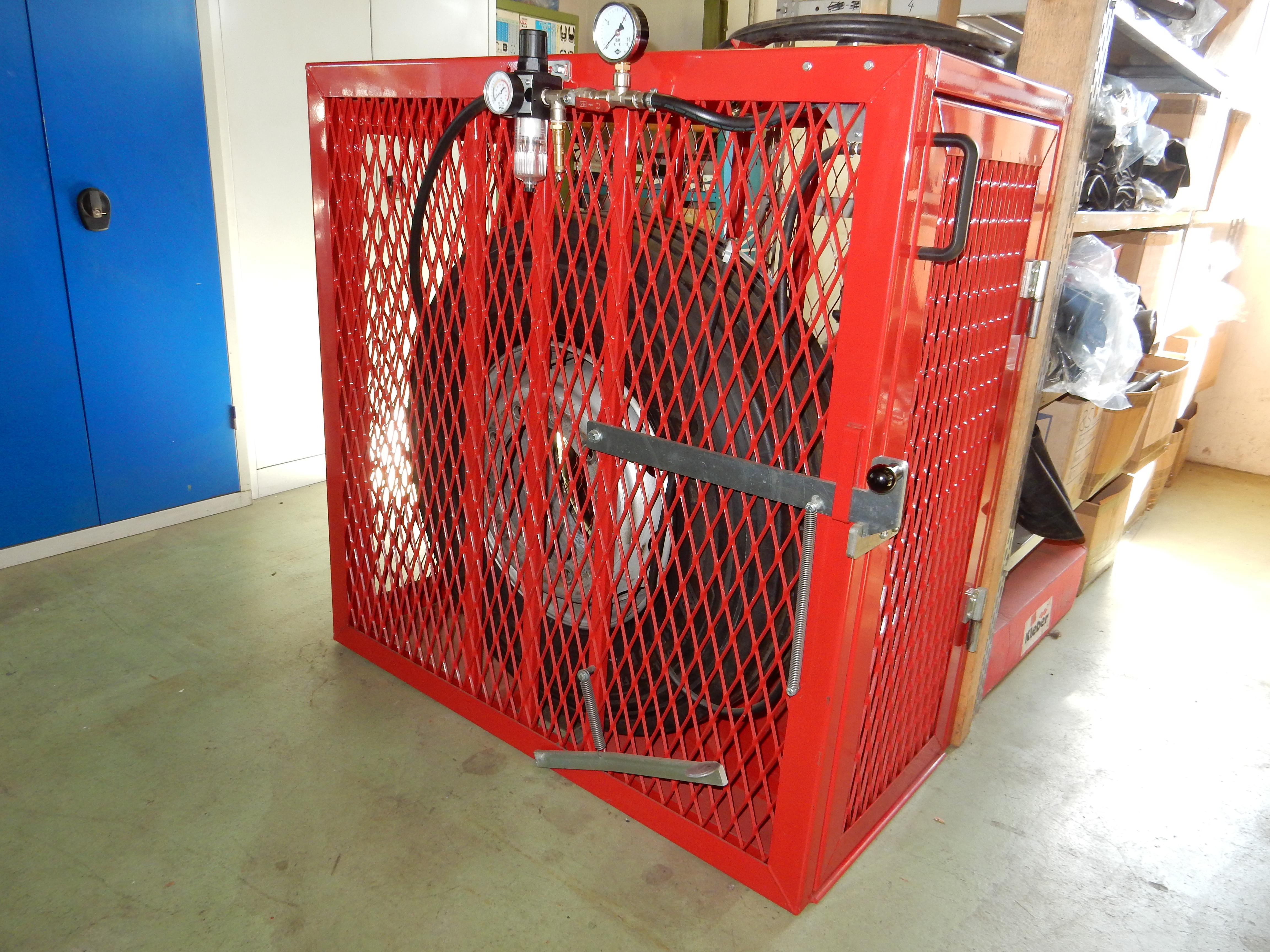 LKW-Pumpstation / Sicherheitskäfig